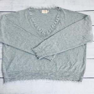 Nation LTD gray V-neck frayed hems sweater Medium